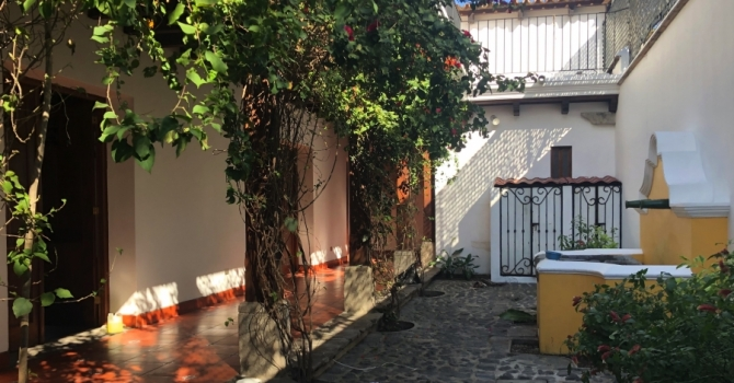 Comercial property for rent in central Antigua