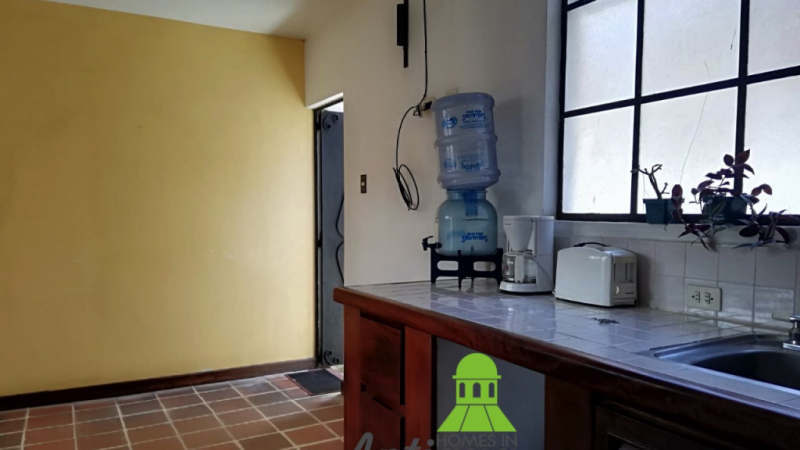 2 bedroom apartment for rent in central town
